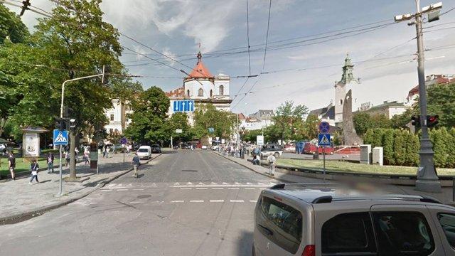 У центрі Львова знову частково реорганізують рух транспорту
