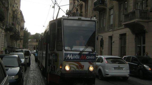 Щоб пришвидшити рух трамваїв на вул. Свєнціцького у Львові виділять окрему смугу