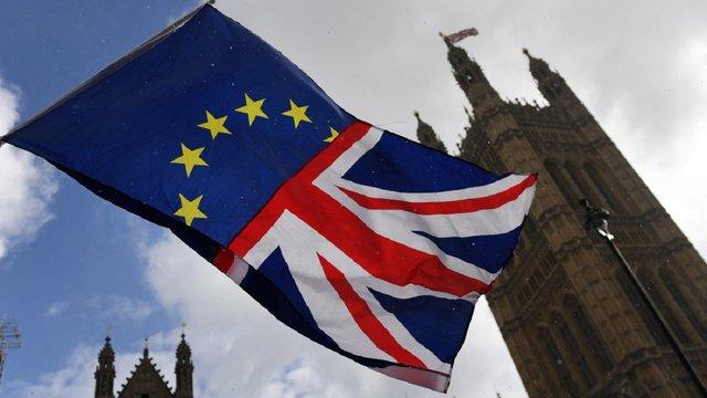 Парламент Великої Британії проголосував за відтермінування Brexit