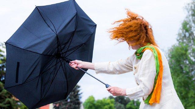 В Україні оголосили штормове попередження, на заході пориви вітру до 25-28 м/с