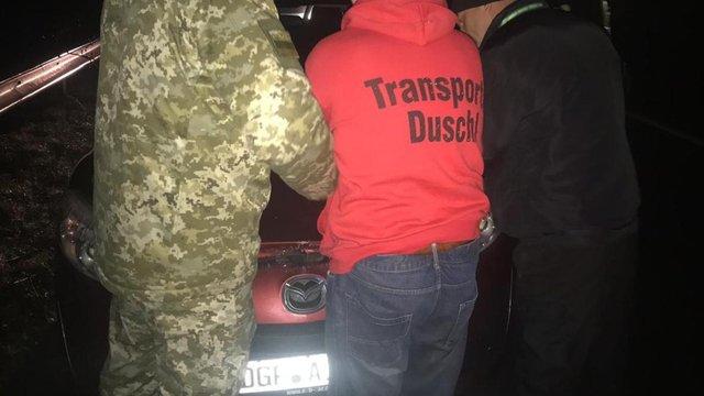 Поблизу Ужгорода обурений українець на євроблясі прорвав кордон