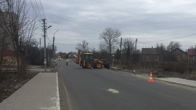 У Городку на місяць закривають на ремонт центральну вулицю, яка веде до кордону