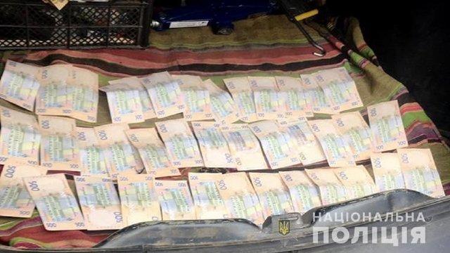 Голову РДА в Рівненській області затримали під час отримання 20 тис. грн хабара