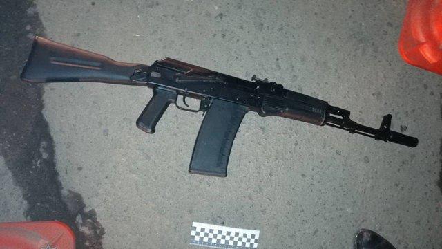 В Івано-Франківську чоловік напідпитку погрожував постріляти перехожих