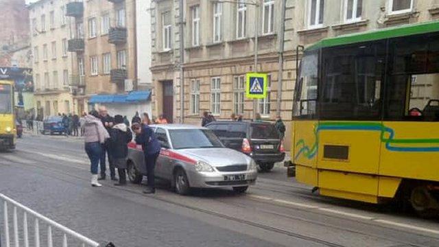 На вул. Личаківській у Львові автомобіль збив 11-річного школяра