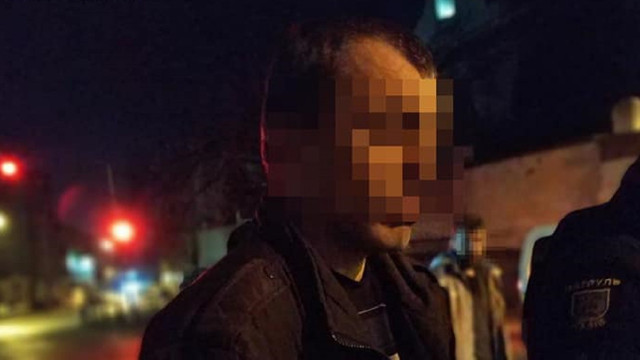 На вулиці Личаківській у Львові патрульні затримали двох грабіжників після скоєння злочину