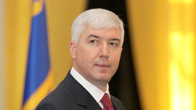 Колишньому міністру оборони Дмитру Саламатіну повідомили про підозру у корупції