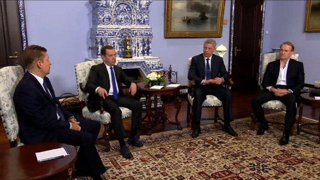 Прикордонники розповіли, чому Бойко і Медведчук безперешкодно відвідали Москву