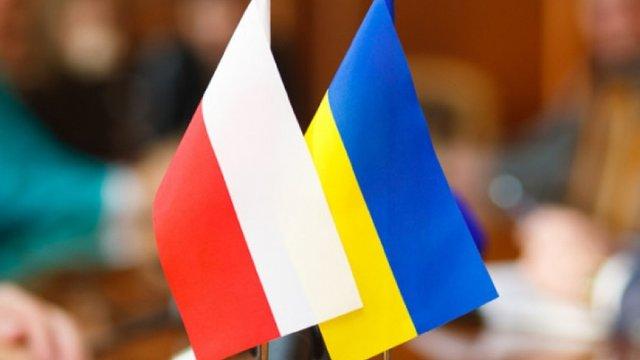 У Польщі відкрили вже 12-те консульство України