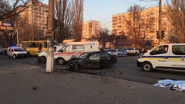 В Одесі поліція шукає чоловіка, який після ДТП добивав ногами поранених нацгвардійців