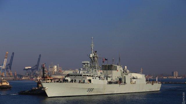 В одеський порт зайшли фрегати ВМС Канади та Іспанії