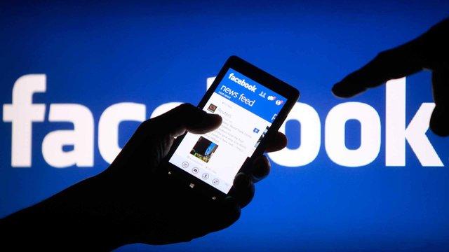 Facebook пояснюватиме користувачам, якформується їхня стрічка новин
