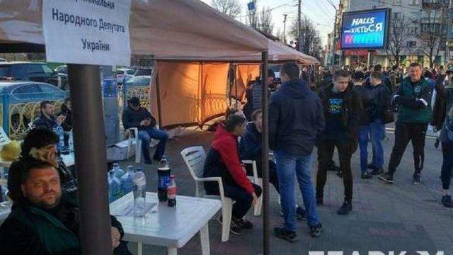 МВС встановило особи молодиків, які перебували біля ЦВК 31 березня