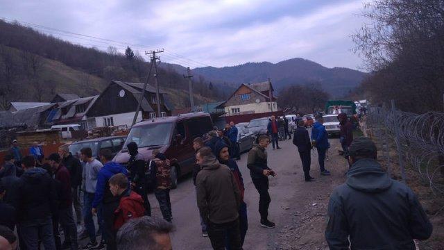 На Закарпатті місцеві мешканці перешкоджали прикордонникам облаштовувати держкордон з Румунією