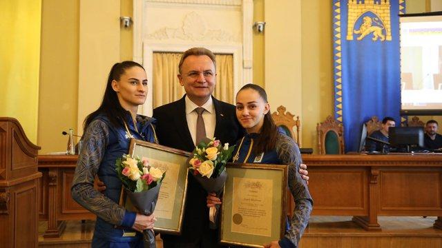 Мер Львова нагородив переможниць чемпіонату Європи з карате