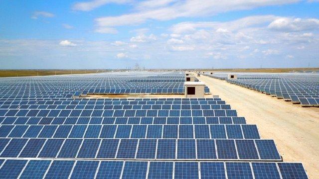 Олег Синютка виділив фірмам Дубневичів 8,8 га землі під сонячні електростанції