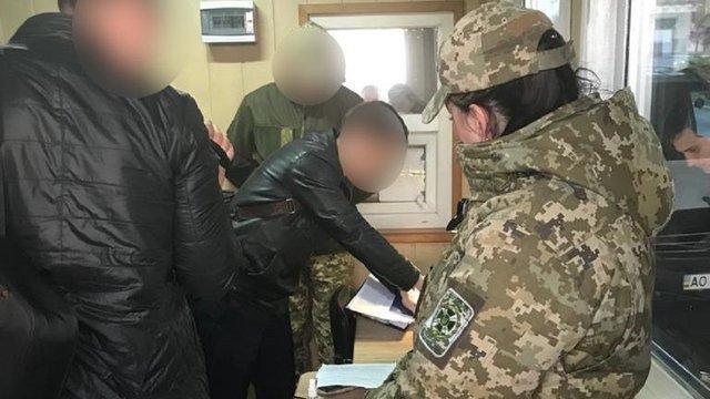 Одного з керівників Мукачівського прикордонного загону затримали на хабарі