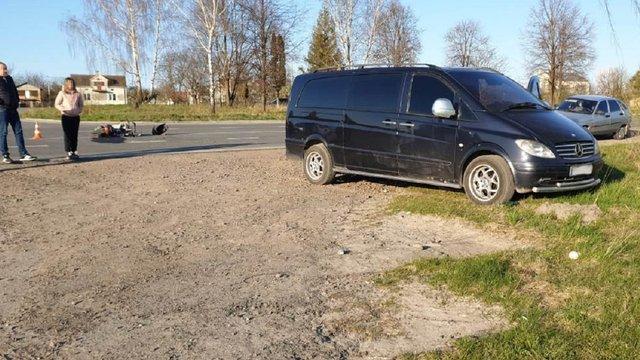 У ДТП з мікроавтобусом на Львівщині постраждав водій мопеда