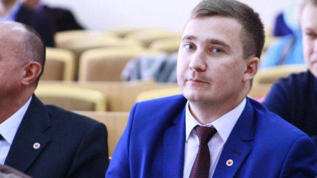 Затриманого на хабарі заступника мера Червонограда звільнили з посади