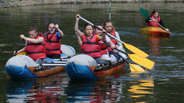 Львівські пластуни організували у парку змагання з нагоди Дня моря
