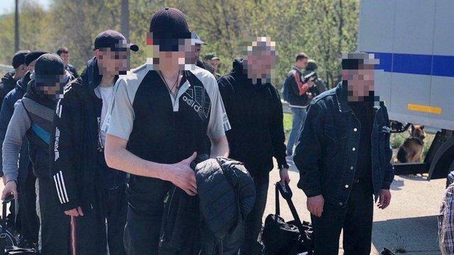 Україна забрала з тюрем окупованої Луганщини 60 цивільних в'язнів