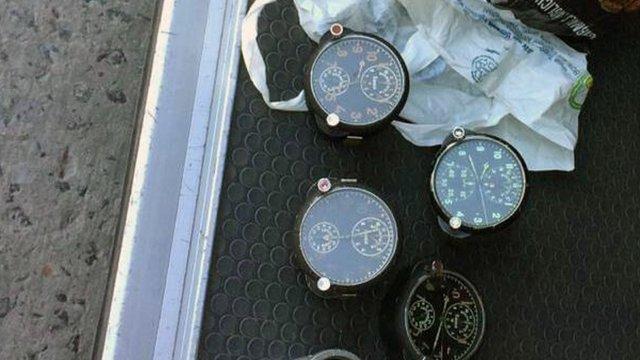 У Краковці прикордонники виявили радіоактивні авіаційні годинники