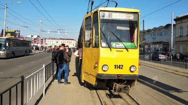 Для облаштування тимчасових трамвайних зупинок на вул. Городоцькій звузять дорогу