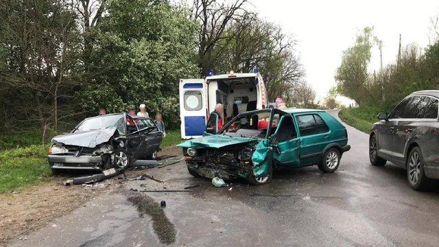 У потрійній ДТП в Чернівецькій області постраждали п'ятеро людей