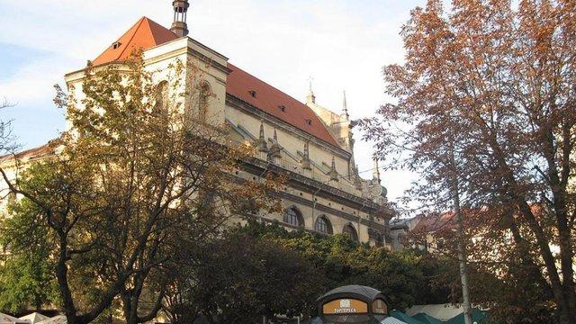 На Великдень анонім повідомив про замінування кількох храмів у центрі Львова
