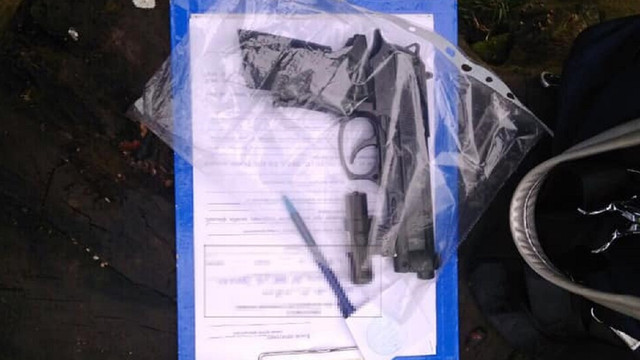 У Львові патрульні затримали чоловіка, який вчинив збройне пограбування