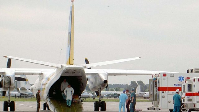 До Львова прибуде літак із 12 пораненими на Донбасі військовими