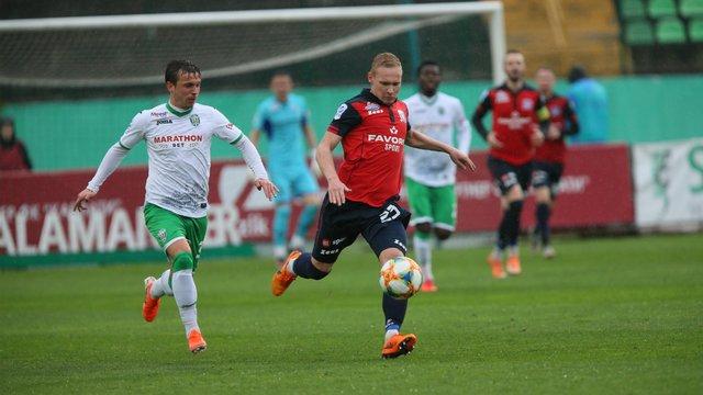 «Львів» на виїзді зазнав розгромної поразки від «Шахтаря», «Карпати» вдома програли «Арсеналу»