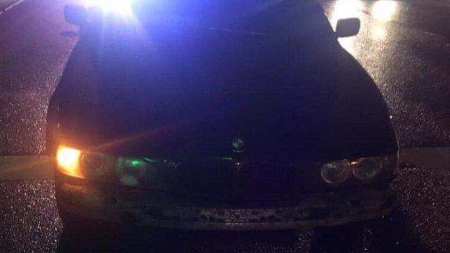 У Львові патрульні зупинили водія без прав, який пив алкоголь біля них