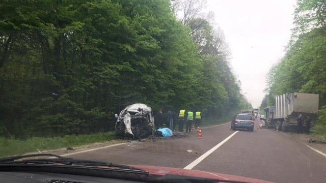 Внаслідок ДТП на дорозі Львів-Краківець один водій загинув, інший потрапив у реанімацію