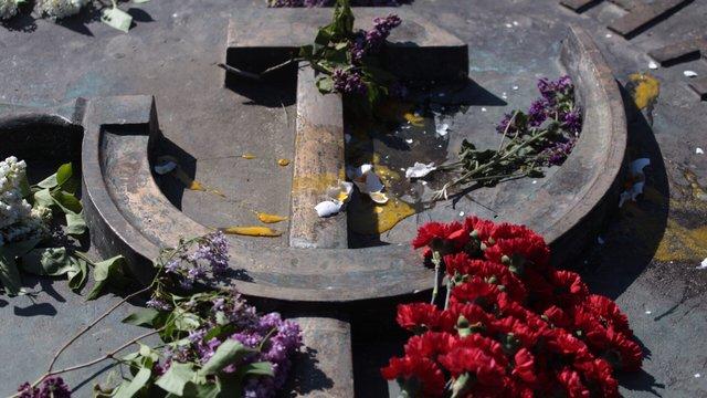 Львівського активіста ОУН оштрафували за кидання яєць у радянський меморіал