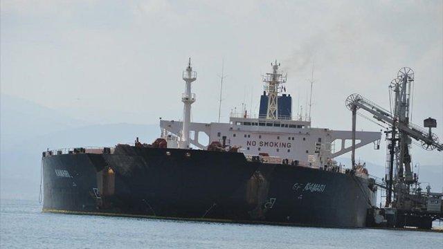 На судні в Суецькій затоці єгипетська влада заблокувала українських моряків