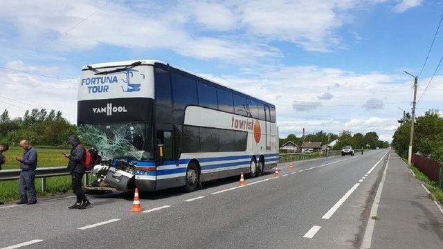 На Львівщині внаслідок ДТП травмувався водій пасажирського автобуса