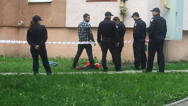 У Львові внаслідок падіння з вікна багатоповерхівки загинула жінка