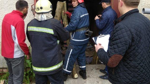 На Львівщині двоє людей загинули внаслідок падіння вантажного ліфта
