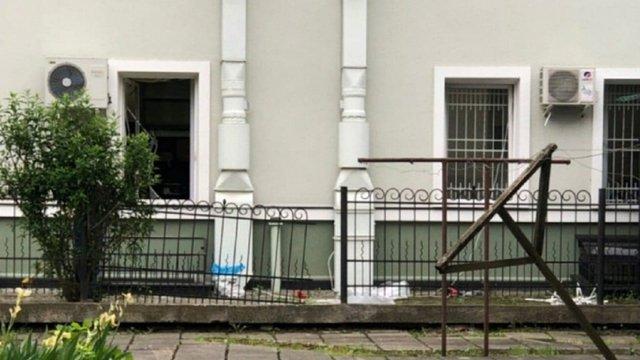 В Івано-Франківську злочинці за три хвилини викрали сейф із майже 1,5 млн грн