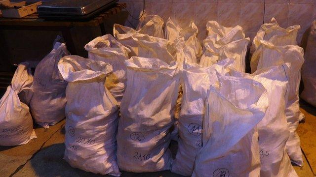 Українські митники проґавили 400 кг бурштину на 55 млн грн