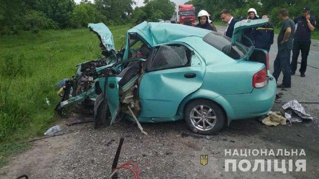 На Хмельниччині в автомобільній аварії загинули троє людей, серед них дитина