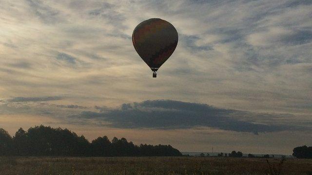 На Львівщині 47-річний чоловік випав під час польоту на повітряній кулі
