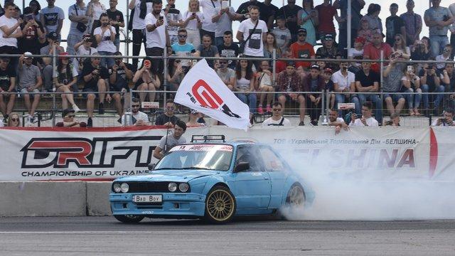 На стадіоні «Арена Львів» відбулись автомобільні змагання з дрифту