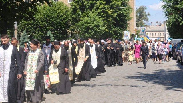 У Чернівцях пройшла масштабна хресна хода на підтримку парафій, які переходять до ПЦУ