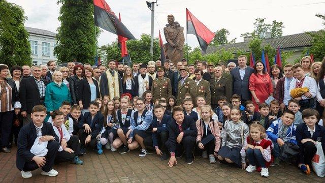 Польщу та Ізраїль обурило відкриття пам'ятника Роману Шухевичу в Івано-Франківську