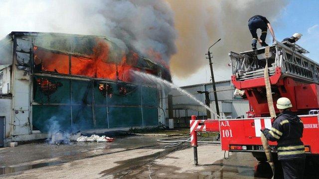 На Київщині сталася пожежа на місцевій птахофабриці