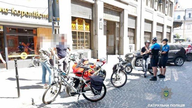 Через дрібне порушення ПДР у Львові виявили викрадений у Німеччині спортивний мотоцикл