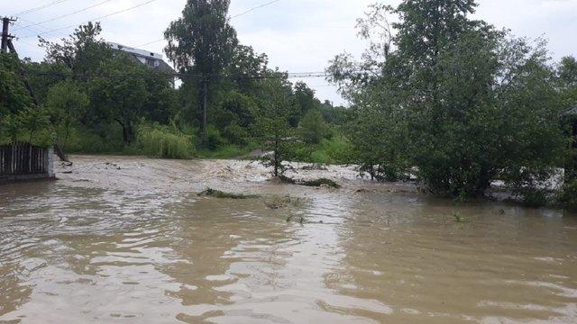 Минулої доби сильні дощі спричинили підтоплення у трьох областях