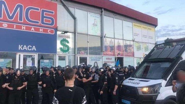 У Харкові на одному з найбільших ринків України сталися сутички за участю «Нацкорпусу»